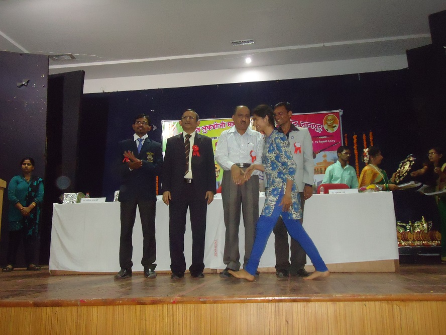 Yuva-Spandan-Awards-Ceremony (11)