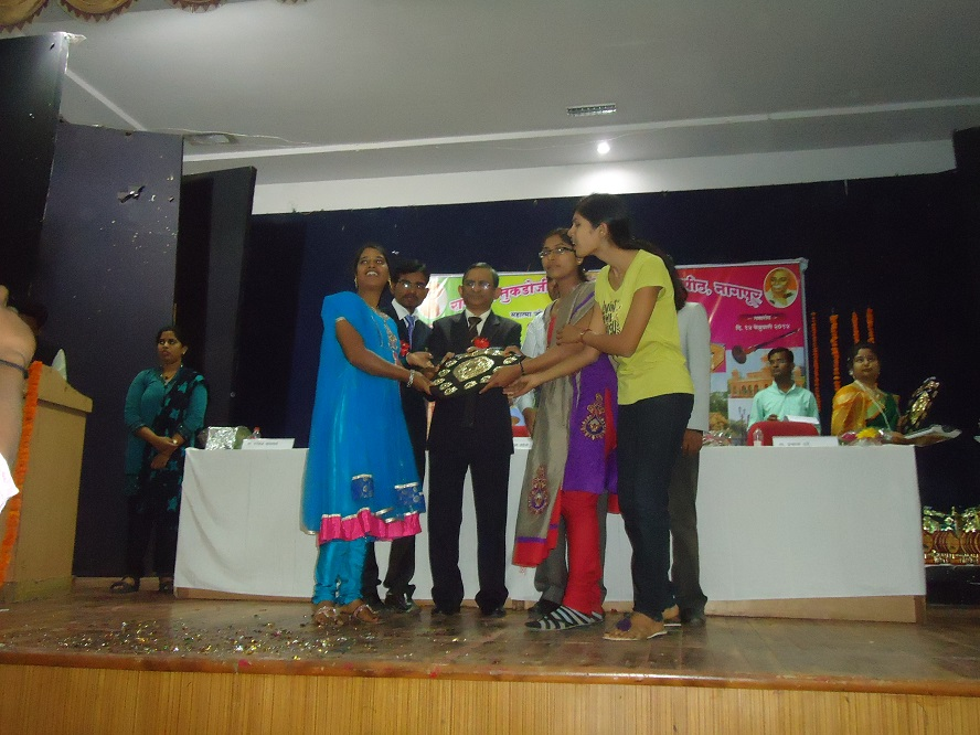 Yuva-Spandan-Awards-Ceremony (14)
